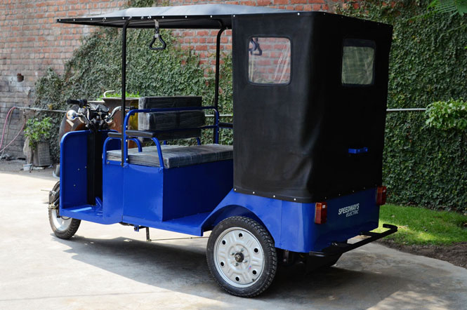 Battery Rickshaw with special Batteries for long range