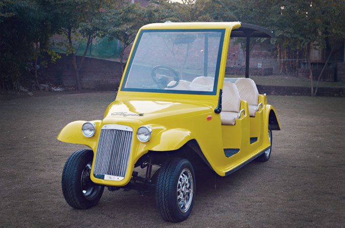 The luxury golf cart Royale's new model releases.
