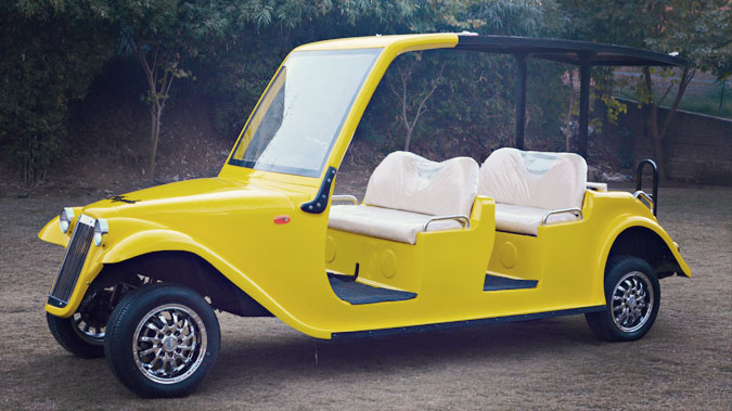 Side View of the Golf Cart - the Six Seater variant of the Royale