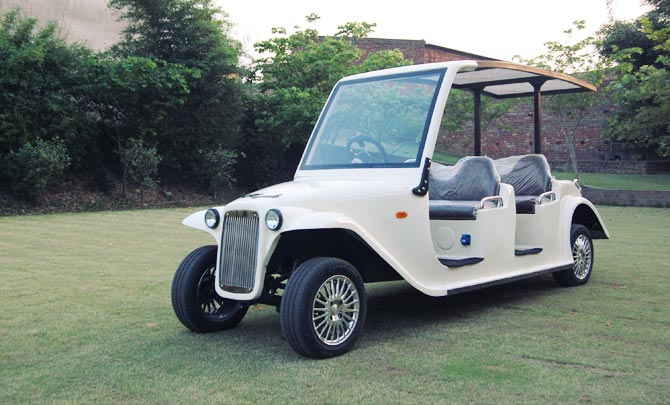 Vintage Six Seater Golf Cart In White Speedways Ev India